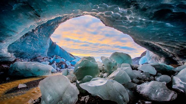 【冰岛独特体验】冰岛瓦特纳冰川蓝冰洞探险之旅(杰古沙龙冰河湖出发)
