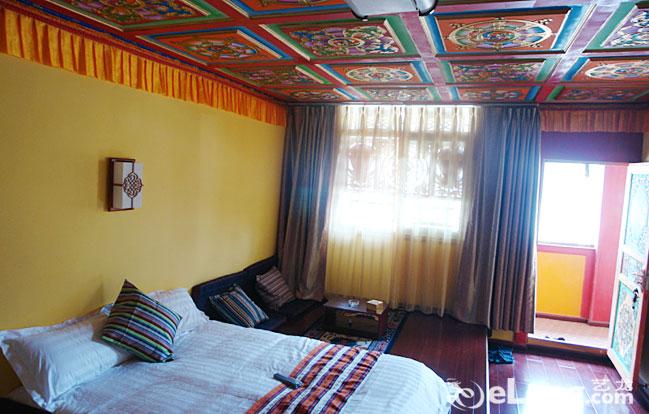 背景墙 房间 家居 酒店 设计 卧室 卧室装修 现代 装修 649_414