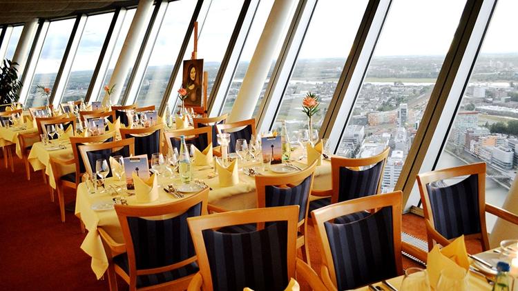 【360度俯瞰悉尼全景】悉尼塔旋转餐厅自助餐